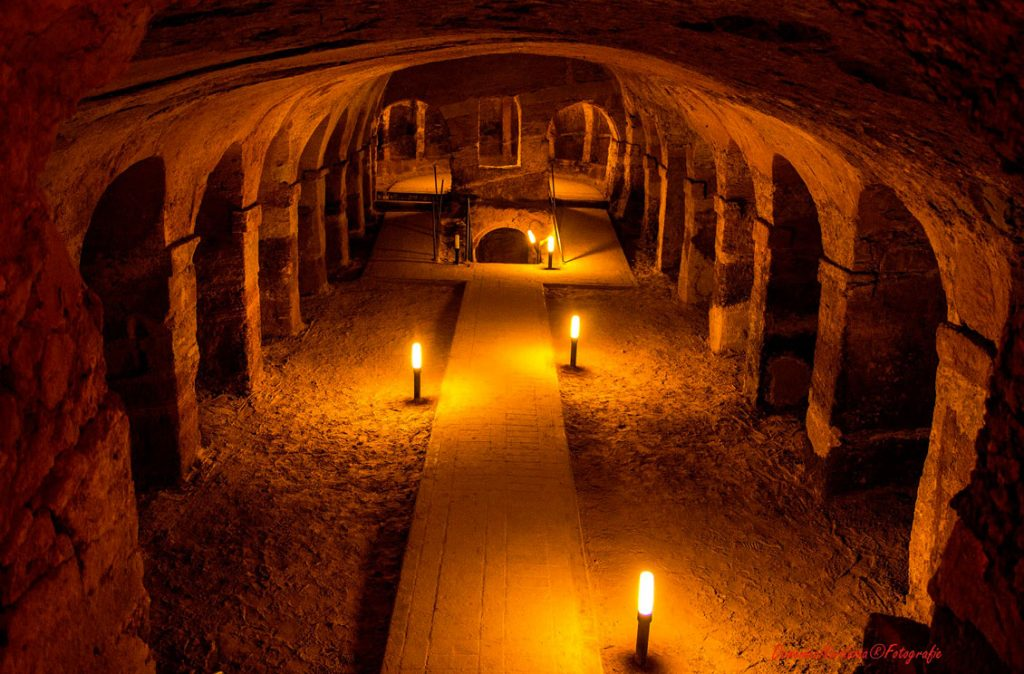 camerano caves