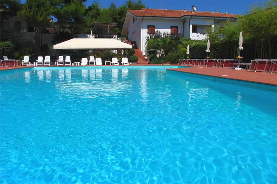 hotel-giardino-swimming-pool