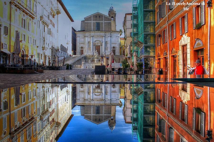 pope-square-ancona