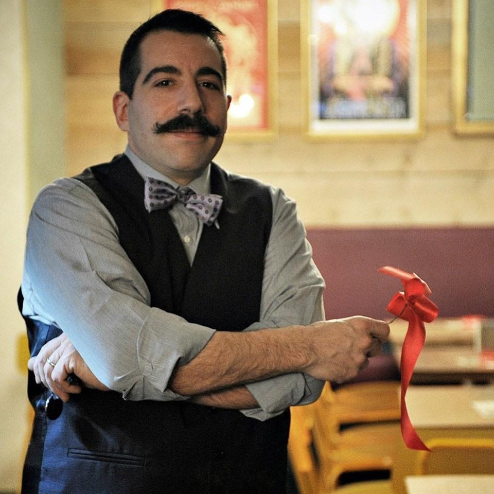 raval-ancona-restaurant-staff